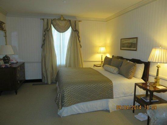 Williamsburg Inn: Superior Room 3190