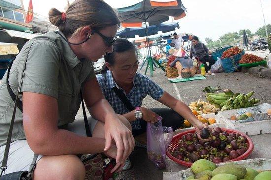 Ms San Tours: At the market