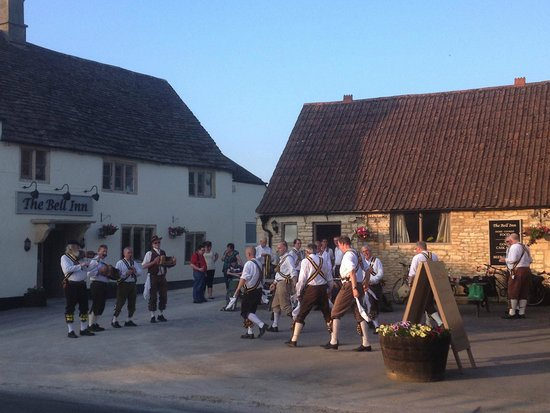 Morris Dancers at The Bell Inn