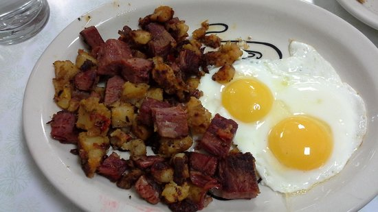 Pioneer Grill at Jackson Lake Lodge: home made corned beef hash