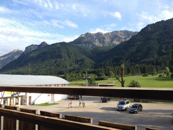 Pfrontener Hof: Parte del panorama dal balcone sul retro dell'hotel