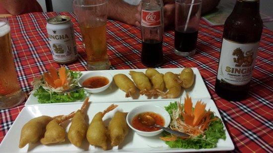 Bai Tong: tempura prawns