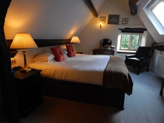 Charingworth Manor: Our cozy large room