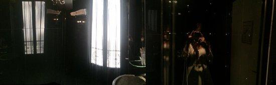 Angely Hotel: BATHROOM