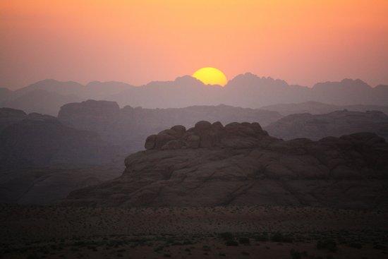 Jordan Nomads: sundown