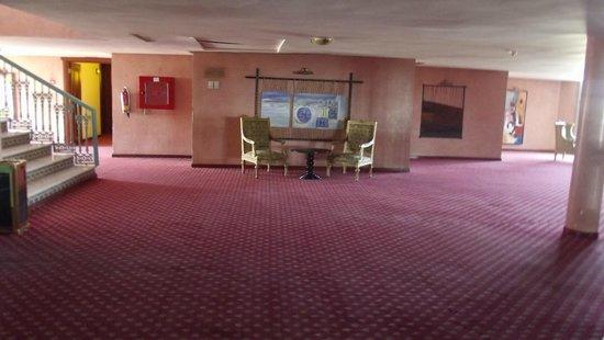 Ryad Mogador Kasbah : atrio camere