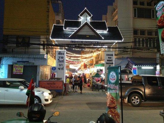 Chiang Rai Night Bazaar: ナイトバザール入り口