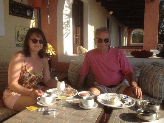 Abelonas Village: Petit déjeuner au soleil