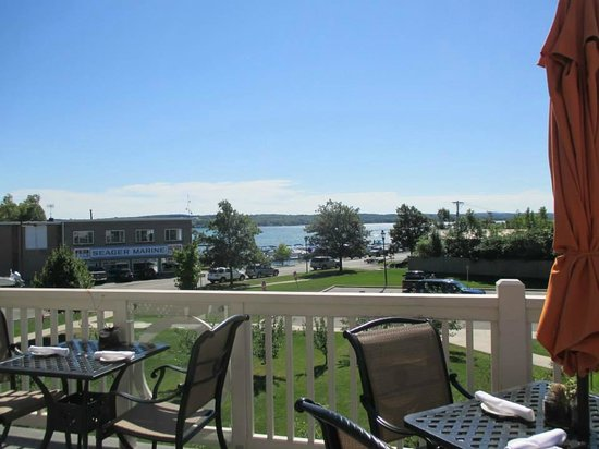 Crush Beer & Wine Tours: The view as we ate lunch