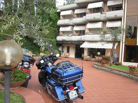 Hotel Desiree Sirmione: l'hôtel avec nos motos
