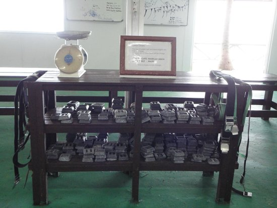 Layang Layang Island Resort: You make your on weight-belt.