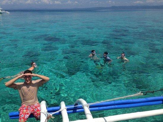 Little Mermaid Dive Resort : Snorkelling with the resort