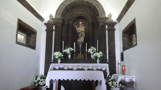 Nossa Senhora da Paz: L'altare di Nostra Signora