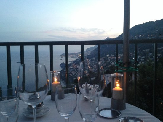 Hotel Restaurant Les Deux Freres: Вид на Монако