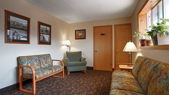 The Downtown Duluth Motel: Lobby