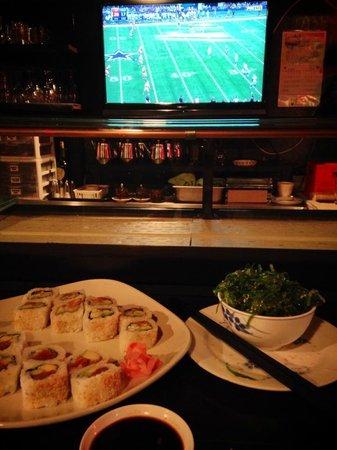 Mon Thai Bistro & Sushi