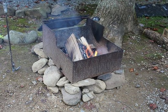 Arrow Creek Campground: Fire pit on site