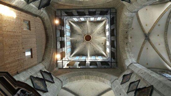 Saint Nicholas Church: La torre desde el interior
