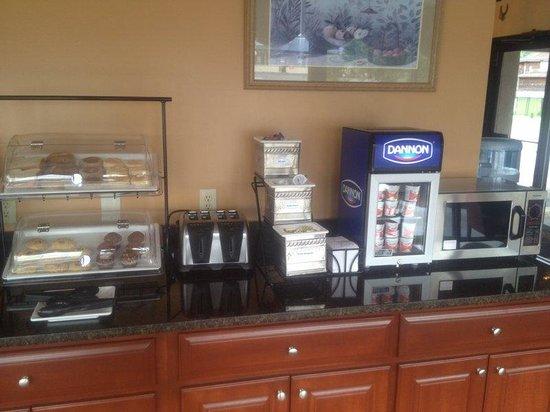 BEST WESTERN Milton Inn: Breakfast Room