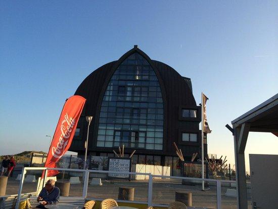 Appartementenhotel Bloemendaal aan Zee: The building