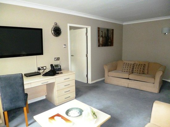 The Avenue Hotel at Brockhall : Thomas suite