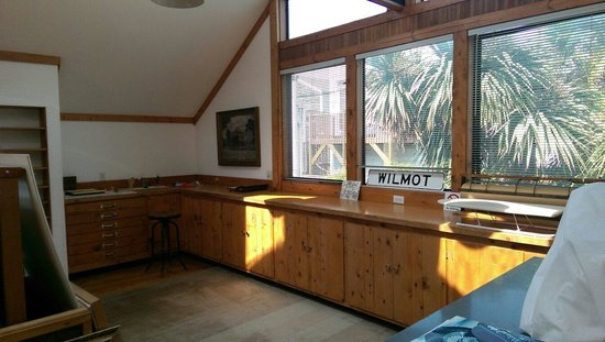 Artists Inn: Studio in studio room