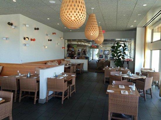 Aquarius - Dream Inn: The Aquarius dining room at day