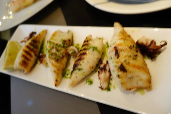 Bruc33Tapas : The grilled squid was perfectly prepared