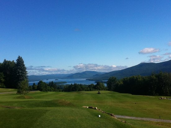 Top of the World Golf Resort: Lake view