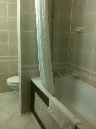 BEST WESTERN Marks Tey Hotel: bathroom