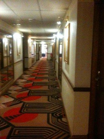 BEST WESTERN Marks Tey Hotel: corridor