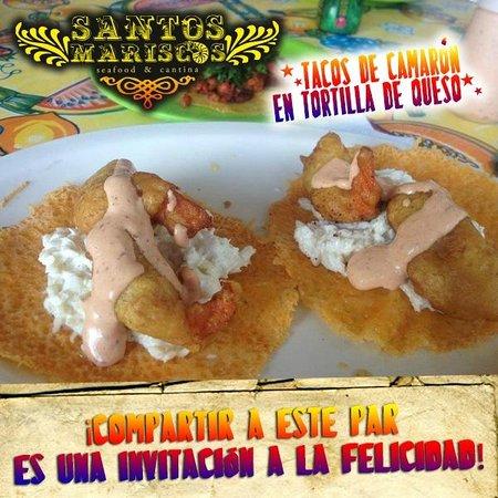 Santos Mariscos: Tacos en tortilla de queso
