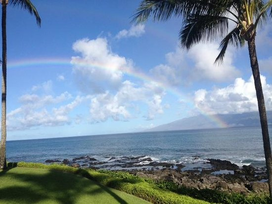 Napili Shores Maui by Outrigger: One more by the Gazebo a rainbow appeared.