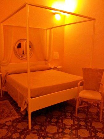 Bed and Breakfast Palazzo Giovanni: Habitación del antiguo señor de la casa