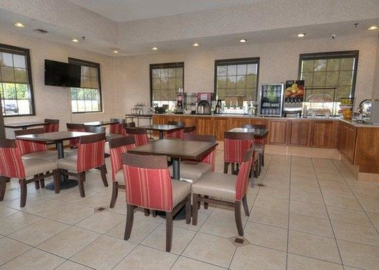 Comfort Inn : Breakfast Seating Area