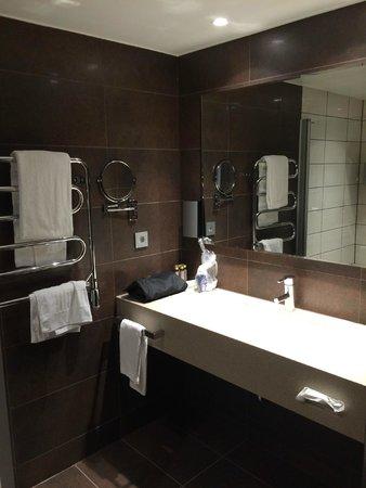Best Western Plus Hotel Waterfront Goteborg: Very modern bathroom