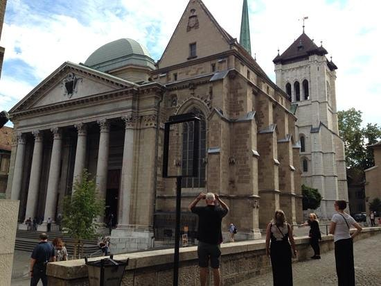 International et Terminus: St Pierre Cathedral in the Old Town