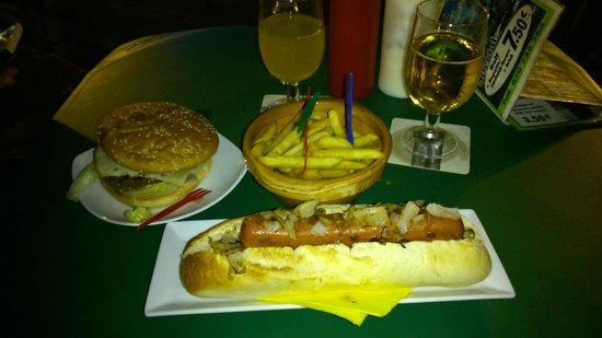 Playa Mini Golf Espana : Cena para dos con partida (patatas no incluidas)