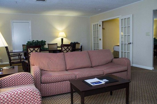 Holiday Inn Express Springfield: Suite