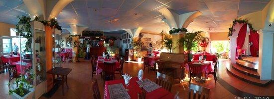 Little Italy Hotel: Restaurant