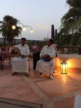 Riad l'Orangeraie: Music for our wedding