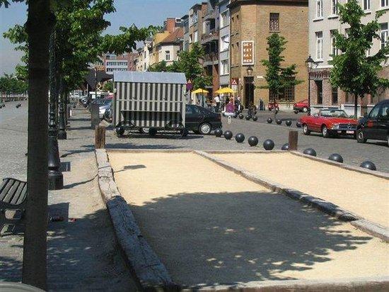 Holiday Inn Express Antwerp City North: A bit of France...Petanque