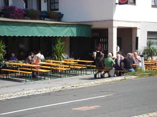 Sankt Egyden, Austria: jaarlijks dorpsfeest op terras