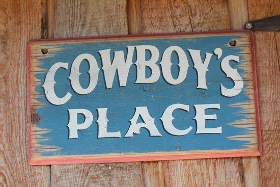 4D Longhorn Guest Ranch : Best place for Cowboys.