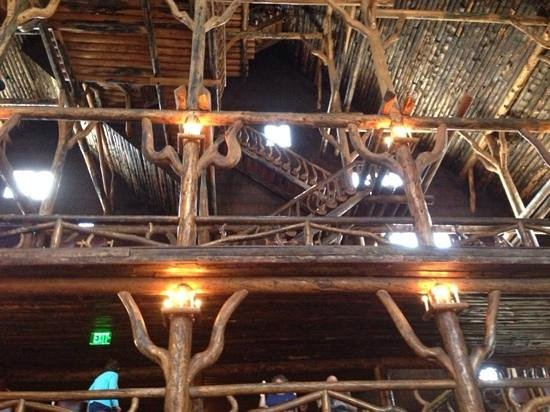 Old Faithful Snow Lodge and Cabins: Old Faithful Inn - take the free tour given four times a day