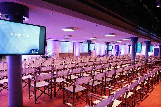 Radisson Blu Hotel, Berlin: Meetings & Events Domlounge Room Nikolai 1