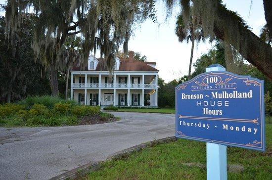 Quality Inn & Suites Riverfront: Bronson - Mulholland House of Palatka