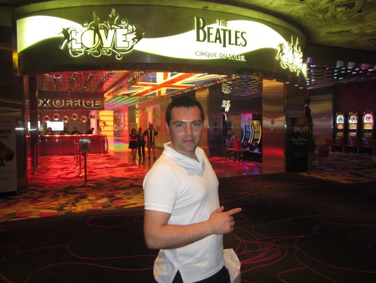 The Beatles - Love - Cirque du Soleil: Ingreso Principal al Teatro Love The Beatles