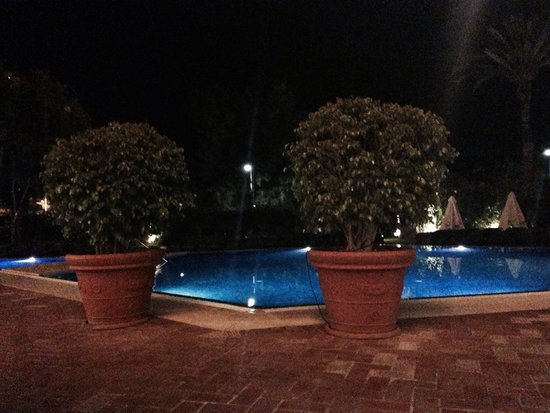Dom Pedro Marina: Pool at night