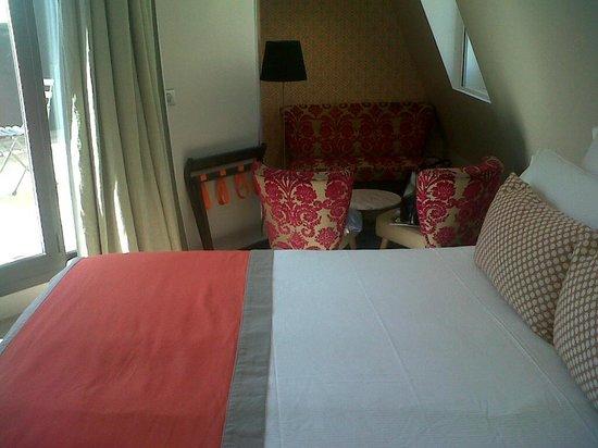 Hotel Vic Eiffel: chambre avec terrasse
